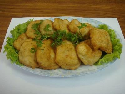Thưởng thức chả mực bánh cuốn Hạ Long