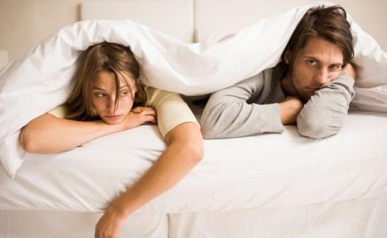 2 rắc rối lớn trong chuyện thầm kín mà không ít cặp đôi đang âm thầm chịu đựng