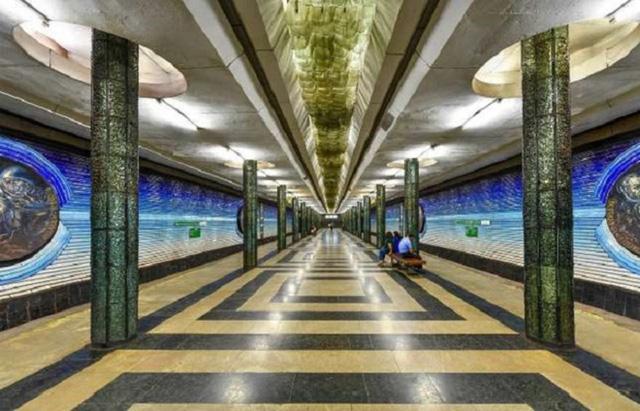 Chiêm ngưỡng 9 ga tàu điện ngầm đẹp nhất thế giới: Lộng lẫy không thua gì bảo tàng nghệ thuật - Ảnh 13.