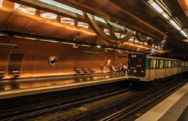 Chiêm ngưỡng 9 ga tàu điện ngầm đẹp nhất thế giới: Lộng lẫy không thua gì bảo tàng nghệ thuật - Ảnh 14.