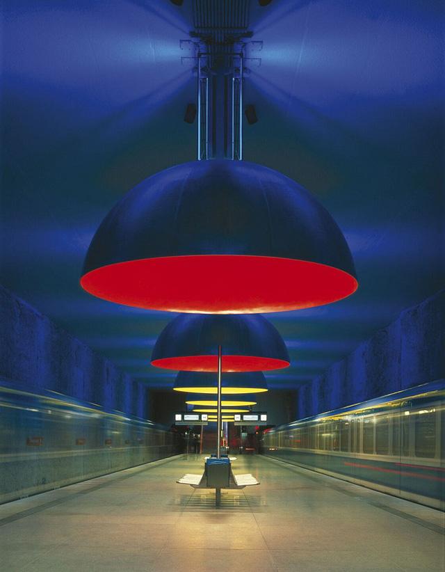 Chiêm ngưỡng 9 ga tàu điện ngầm đẹp nhất thế giới: Lộng lẫy không thua gì bảo tàng nghệ thuật - Ảnh 19.