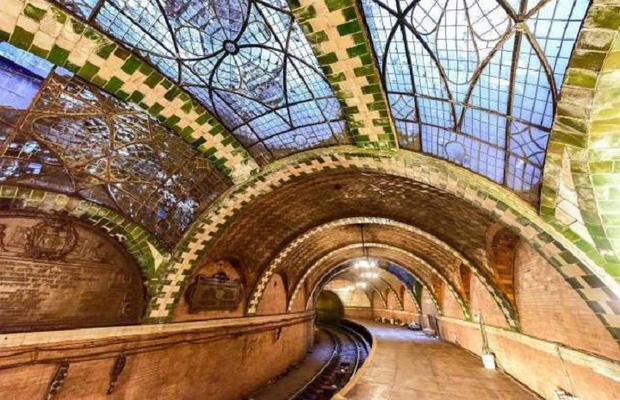 Chiêm ngưỡng 9 ga tàu điện ngầm đẹp nhất thế giới: Lộng lẫy không thua gì bảo tàng nghệ thuật - Ảnh 3.