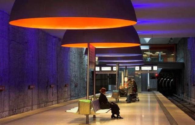 Chiêm ngưỡng 9 ga tàu điện ngầm đẹp nhất thế giới: Lộng lẫy không thua gì bảo tàng nghệ thuật - Ảnh 21.