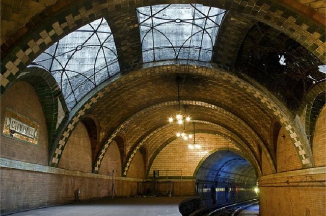 Chiêm ngưỡng 9 ga tàu điện ngầm đẹp nhất thế giới: Lộng lẫy không thua gì bảo tàng nghệ thuật - Ảnh 5.
