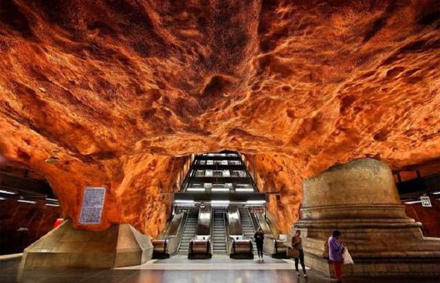 Chiêm ngưỡng 9 ga tàu điện ngầm đẹp nhất thế giới: Lộng lẫy không thua gì bảo tàng nghệ thuật - Ảnh 6.