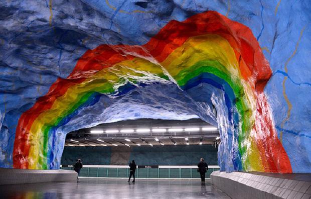 Chiêm ngưỡng 9 ga tàu điện ngầm đẹp nhất thế giới: Lộng lẫy không thua gì bảo tàng nghệ thuật - Ảnh 8.
